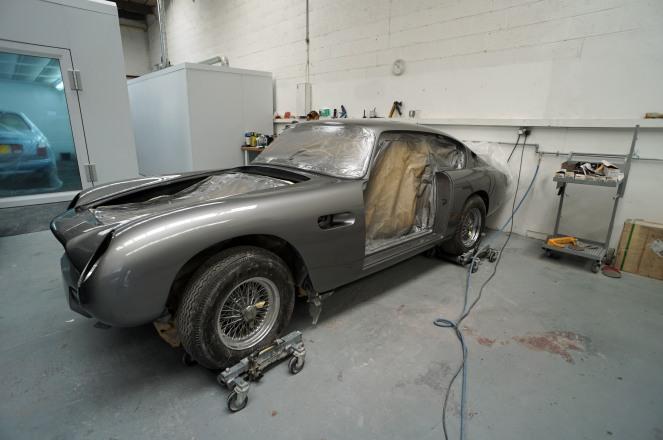 01 Aston Paint