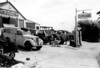 Lone Pine Garage in 1957