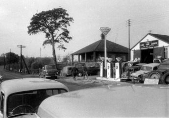 Lone Pine Garage in 1962